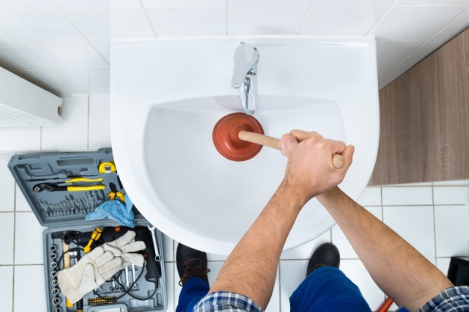 Helpful tips to clear your blocked pipes